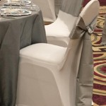 chair-cover putih